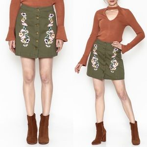 3 for $40! En Creme Denim Embroidered Mini Skirt